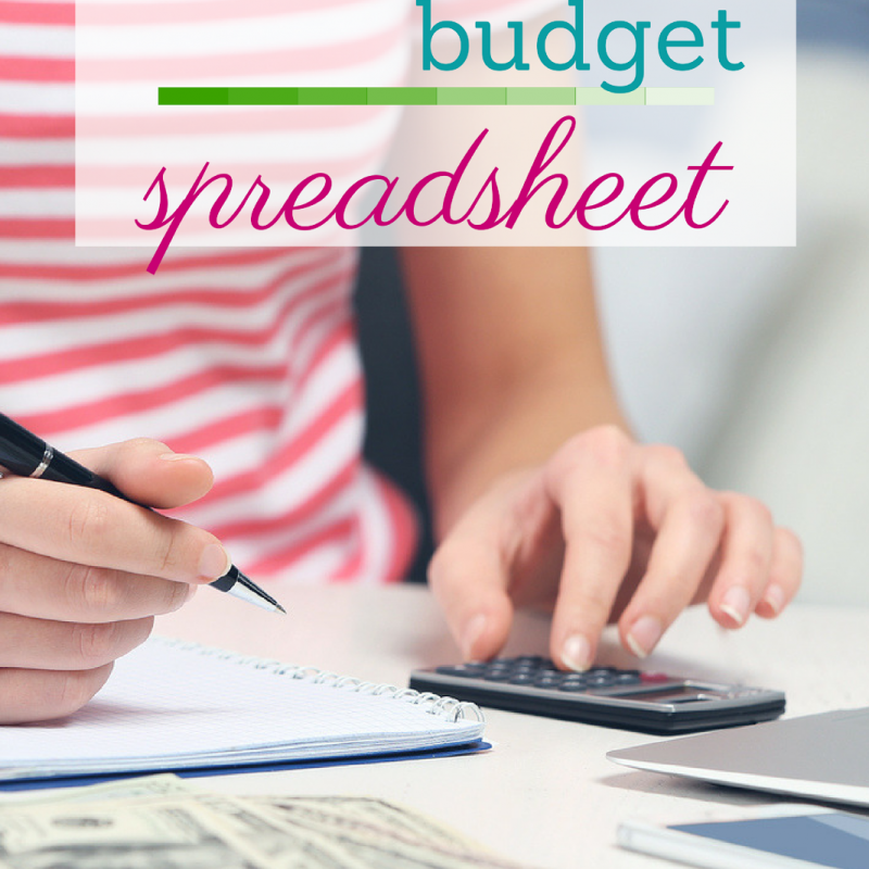 This amazing and FREE monthly expenses spreadsheet will help you start a budget and keep track of your monthly spending!