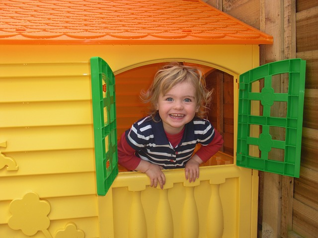 15 Things You Can Sell to Make Money Fast - kids toys like play houses