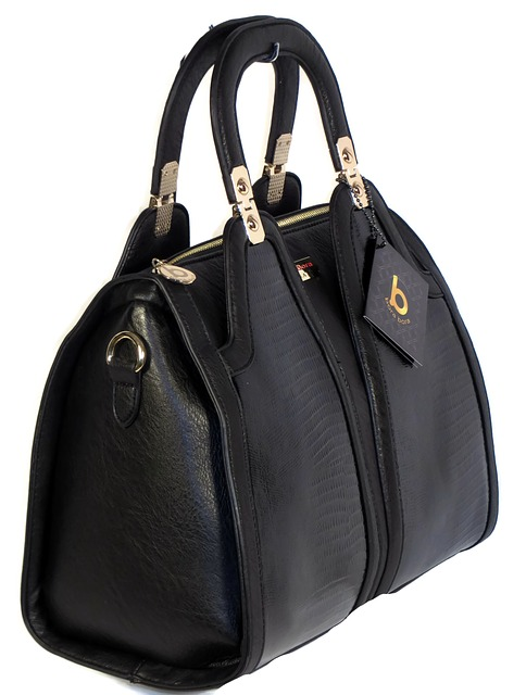 purse is the best item to resell online for profit
