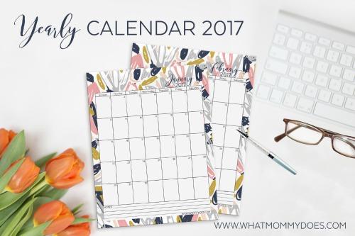 Free printable 2017 floral calendar.