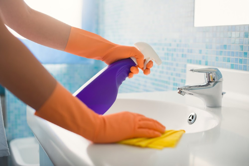 natural ways to keep your bathroom clean and fresh